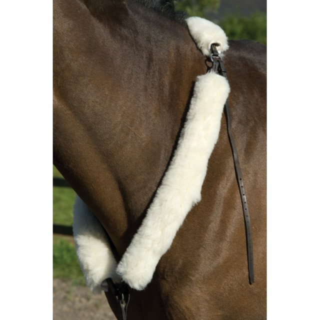 Griffin Nuumed Hunter Breastplate Cover in Luxury Wool